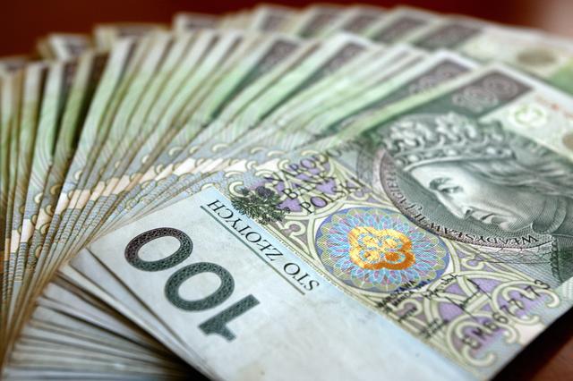 9 na 10 firm wciąż płaci za inwestycje ze środków własnych. Dlaczego?