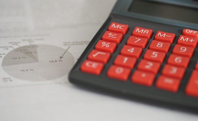 Najlepsza księgowość dla małej firmy. Prowadzić księgowość samemu czyzbiurem rachunkowym? Jak wybrać biuro rachunkowe?