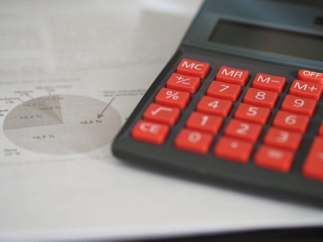 Najlepsza księgowość dla małej firmy. Prowadzić księgowość samemu czy z biurem rachunkowym? Jak wybrać biuro rachunkowe?