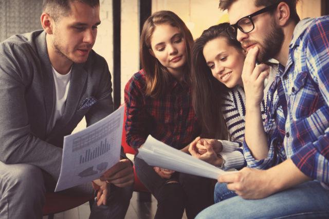 Jak zarobić na studiach? 10 konkretnych pomysłów na studencki biznes bez dużego kapitału