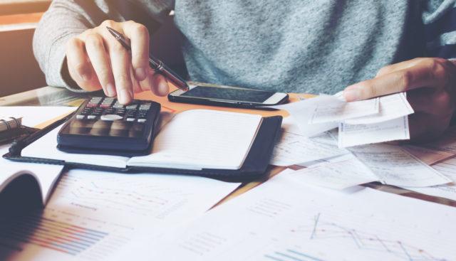 Faktoring, mikrofaktoring czy kredyt? Różne czy takie same sposoby finansowania biznesu