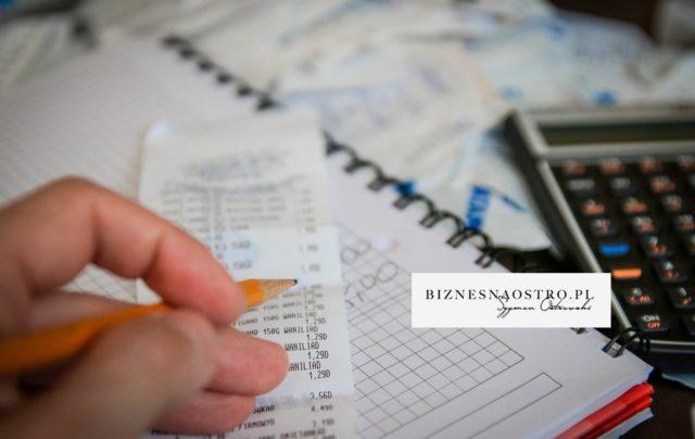 """Jak nie płacić podatku w firmie albo zapłacić dużo niższy? 50 najlepszych legalnych sposobów """"na koszty"""" w firmie."""