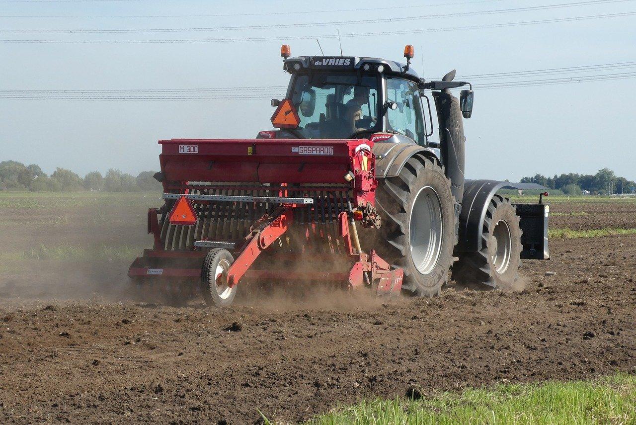 Jak zostać rolnikiem? Jak płacić KRUS?